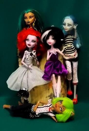 Фото наших Monster High - Страница 15 48d8936799ce