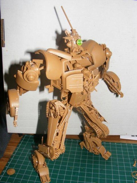 Робот трансформер(не трансформирующийся правда :) ) 8e8019faefd1