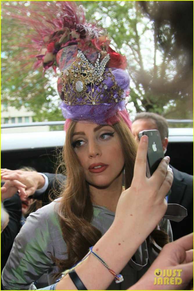Lady GaGa  - Страница 5 10a8d3f79658