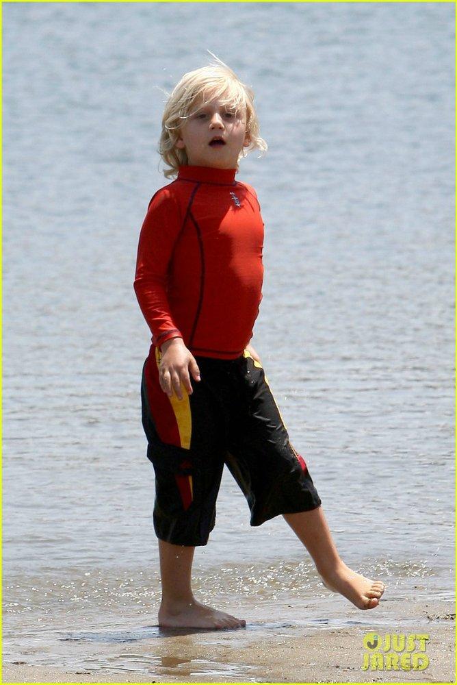 Gwen Stefanie - Страница 10 173cb50405c0