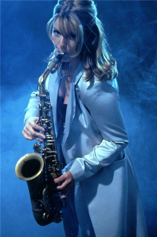Кэнди Далфер. Девушка с саксофоном 444fa37079fe
