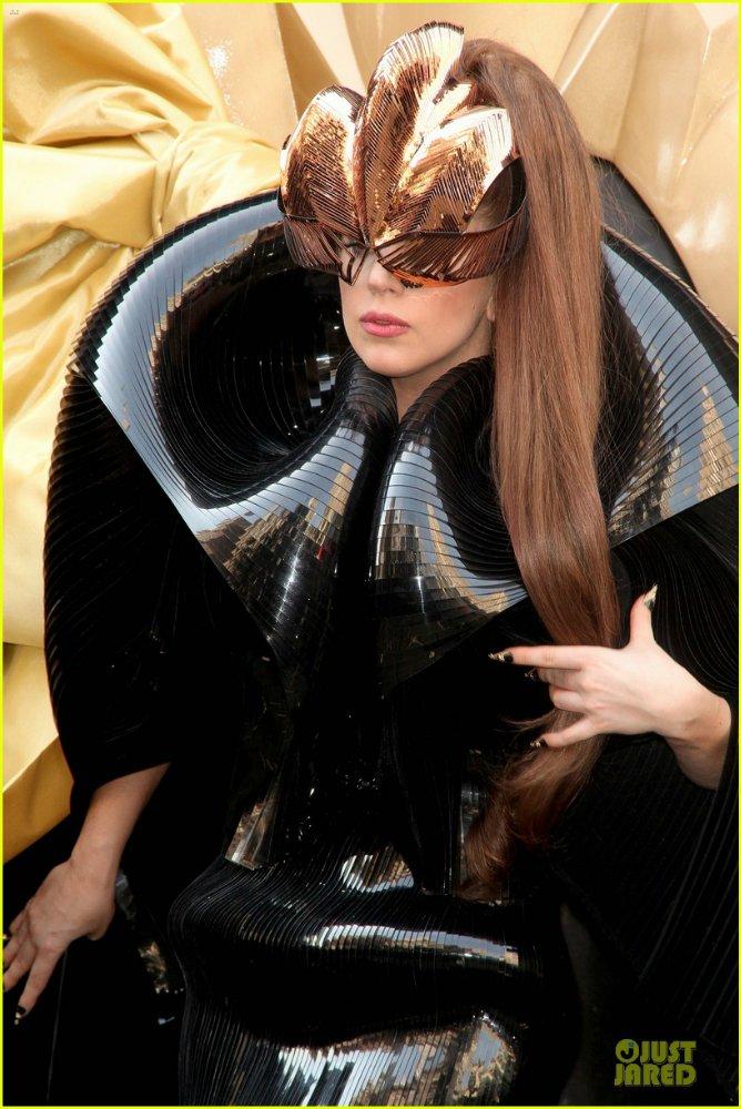 Lady GaGa  - Страница 5 5d6aeb9009c0