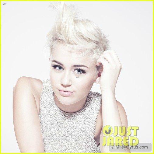 Miley Cyrus - Страница 4 Daa78a29da40