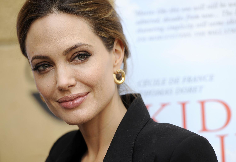 Angelina Jolie and Brad Pitt - Страница 4 3ef802c1d4cc
