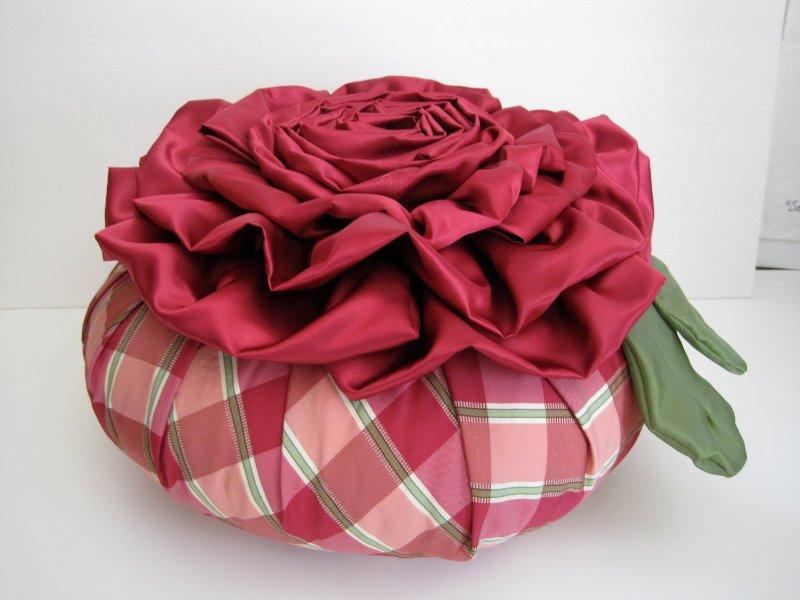 Потрясающие рукодельные декоративные подушки E8aabf7330e7