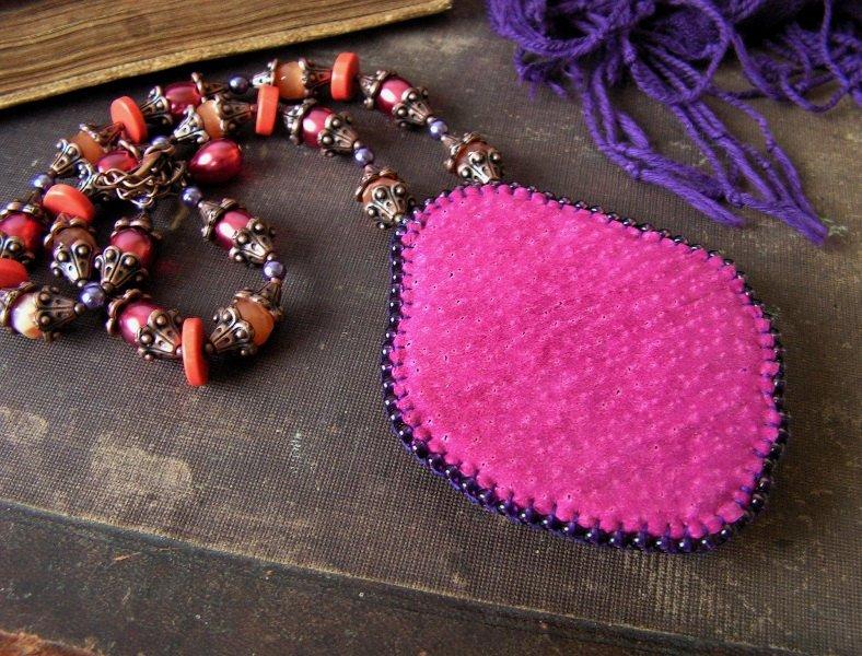 Как прикрепить камни в бисерной вышивке? 616a84f52b92