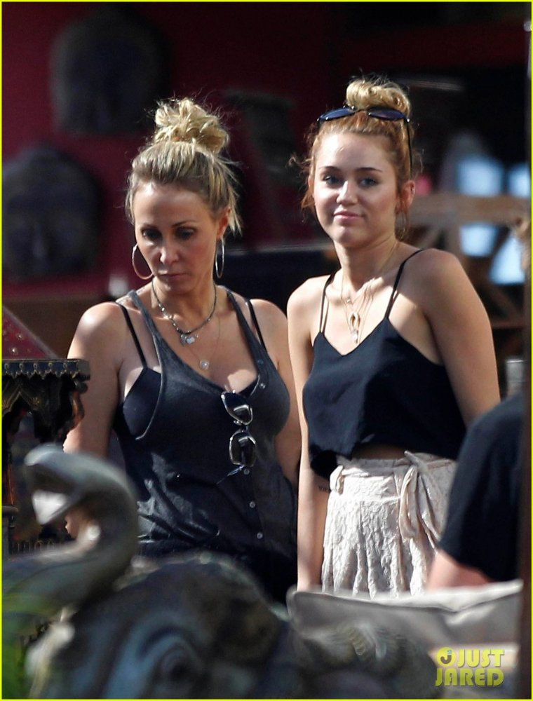 Miley Cyrus - Страница 3 4e71d9b062f4