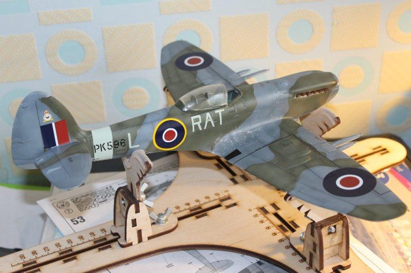 Supermarine Spitfire Mk. 22 Revell. 1/32 A9010901c004