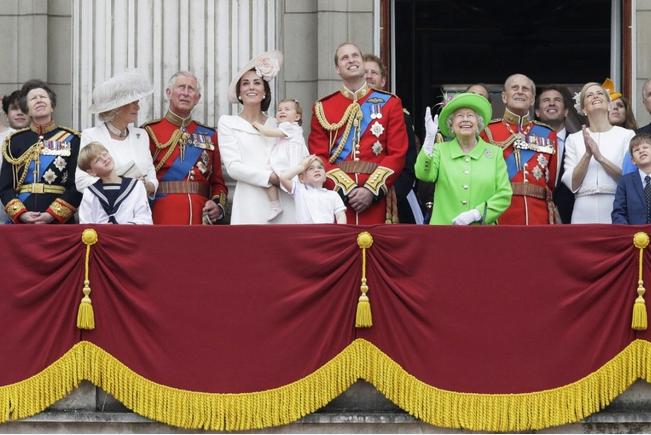 Королевские семьи - Страница 65 A1ffe8557b68
