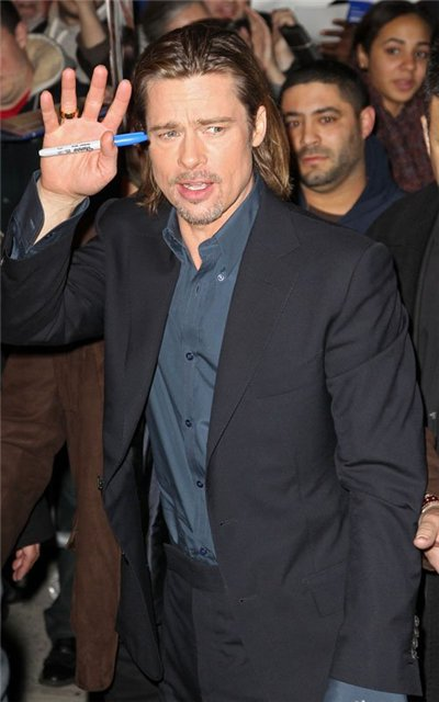 Angelina Jolie and Brad Pitt - Страница 4 Bee80fd33855