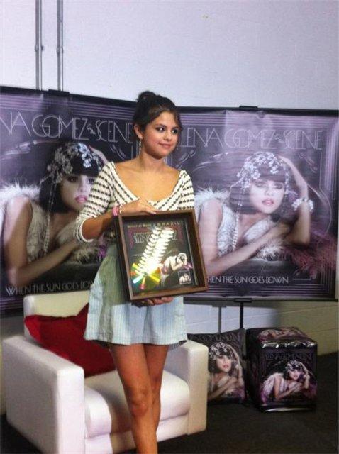 Selena Gomez | Селена Гомес 3d5280a924ce
