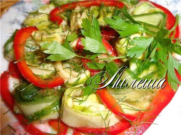 Салат из свежих кабачков 45fa0e422d4f