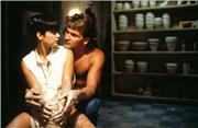 Привидение / In Ghost (Патрик Суэйзи, Деми Мур, 1990)  675dd5c4cb18t