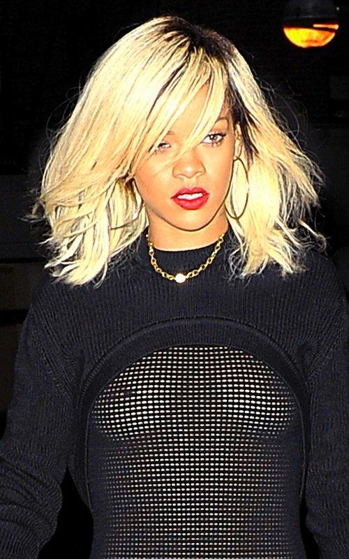 Rihanna  - Страница 3 7ad9c0a7938e