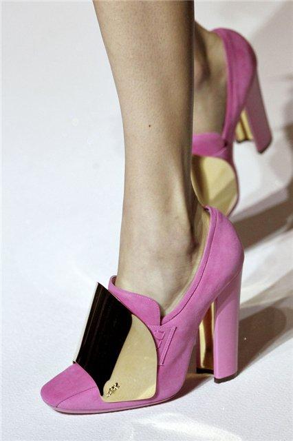Гардероб наших леді в колекціях fashion дизайнерів - Страница 3 0aef5ab3b538