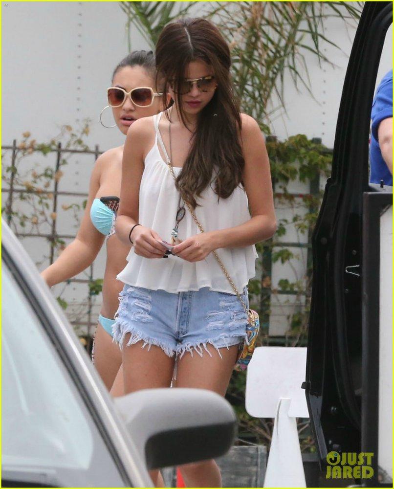 Selena Gomez | Селена Гомес - Страница 10 0d9292fa9674
