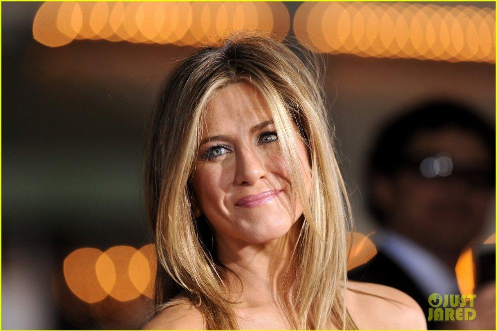 Jennifer Aniston - Страница 5 Bda4ee888333