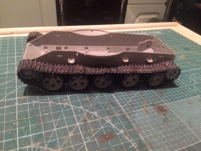 TRUMPETER T-62 Mod 1972  1/35 Bb14c956dacd