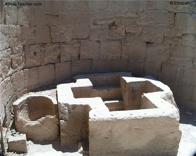 Кресты на полу храмов - Страница 2 D9d1933d26b2