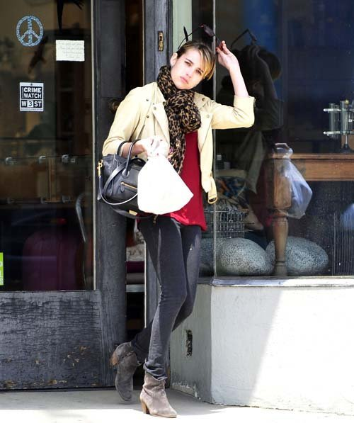 Emma Roberts - Страница 3 B54eb16384ae