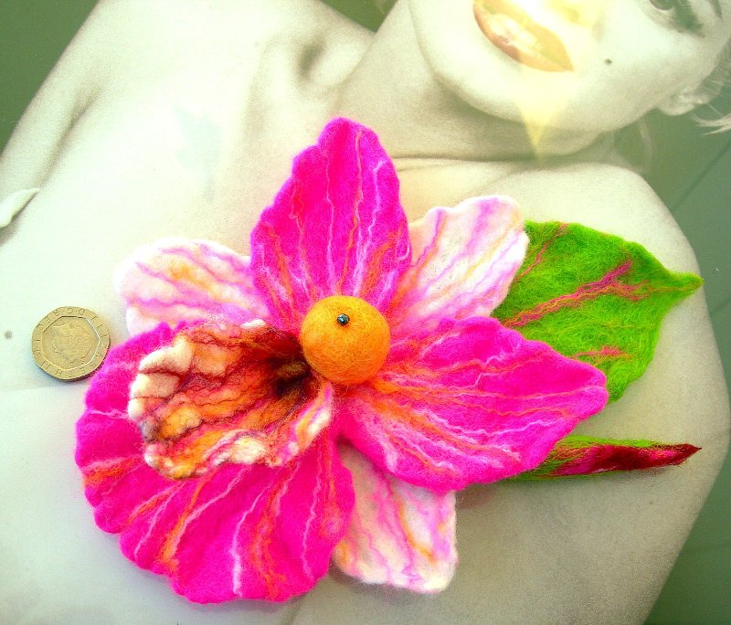 Цветы из фетра F64acb0d0954