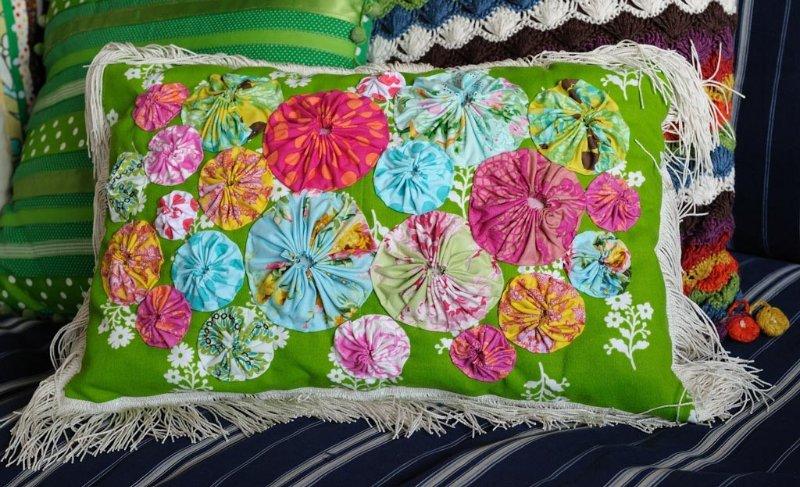 Потрясающие рукодельные декоративные подушки 5e4004f09dba