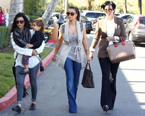 Kim Kardashian  - Страница 3 5b0c349490f2
