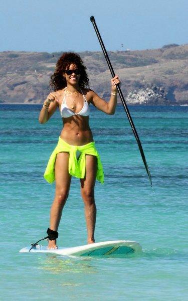 Rihanna  5e47789d0368