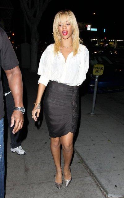 Rihanna  - Страница 2 9e4fdd8e0553