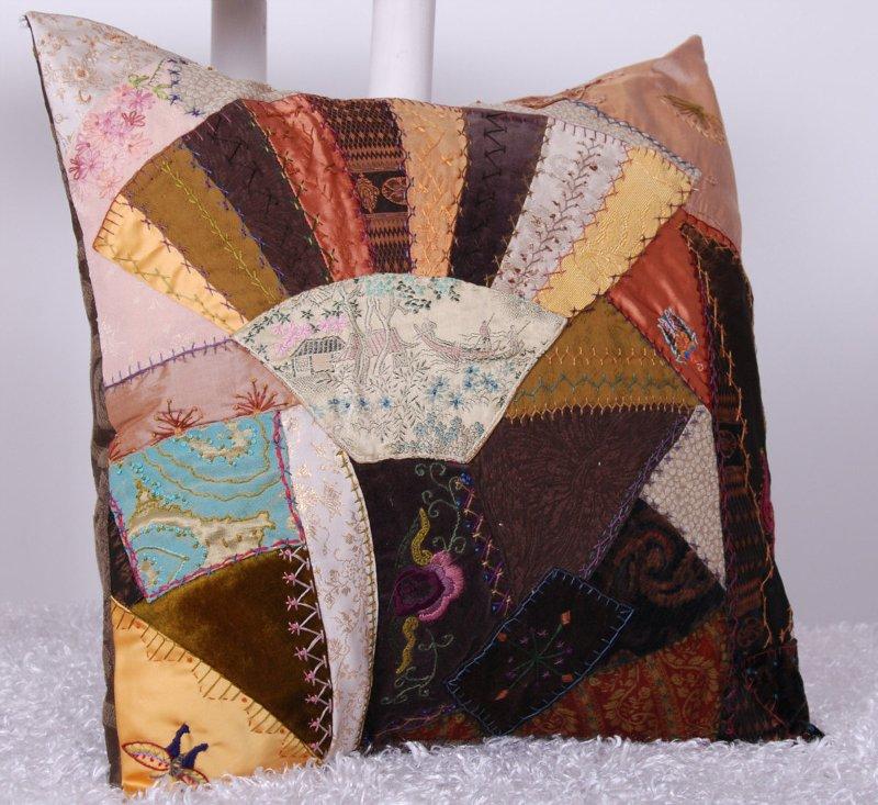 Потрясающие рукодельные декоративные подушки 9c998e19e08a