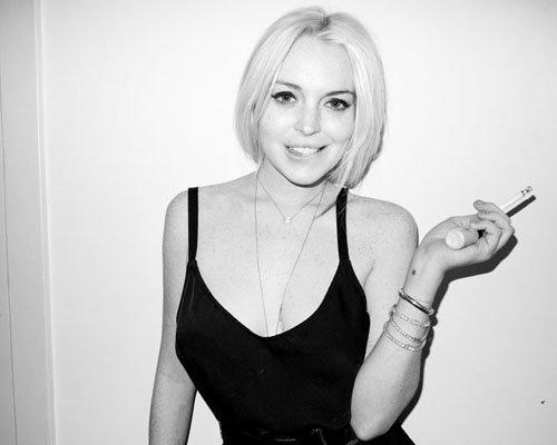 Lindsay Lohan 9e1aa9e1f975