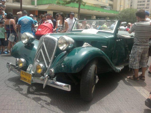 Выставка старых машин в кармиэле 76e5841a6727
