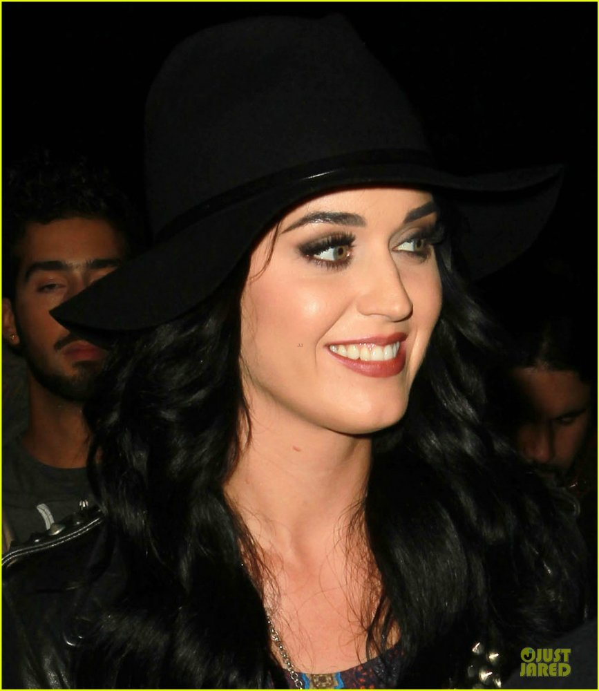 Katy Perry | Кэтти Перри - Страница 7 F360f6a97252
