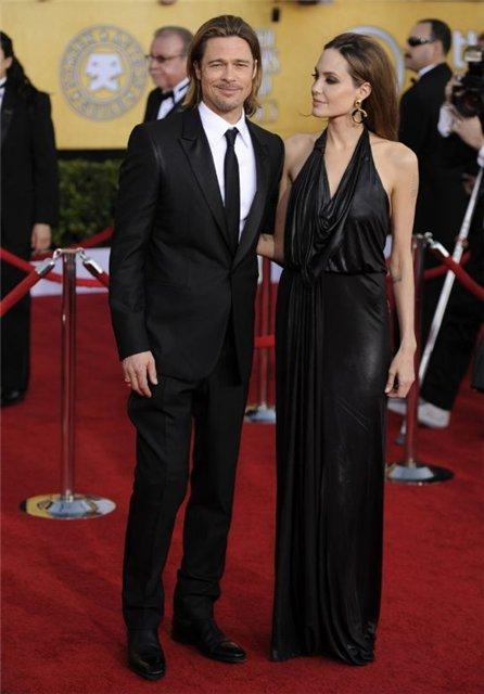 Angelina Jolie and Brad Pitt - Страница 3 Ca7ad2909c80