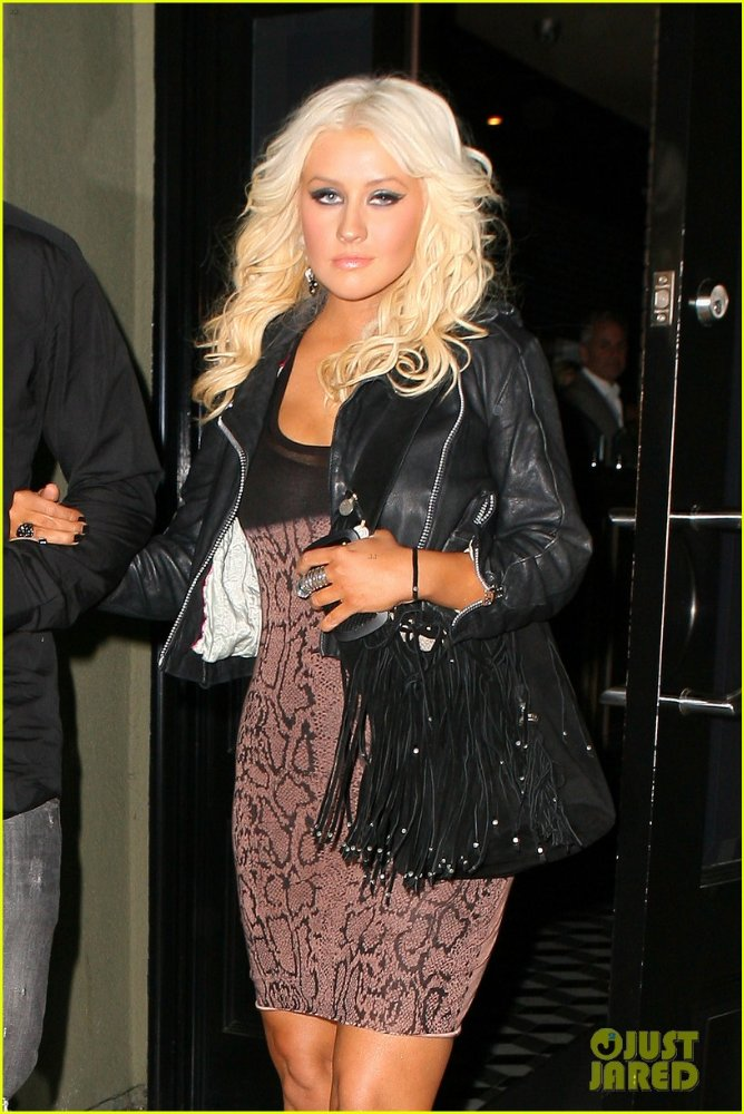 Christina Aguilera  - Страница 3 5f3f01b511ab