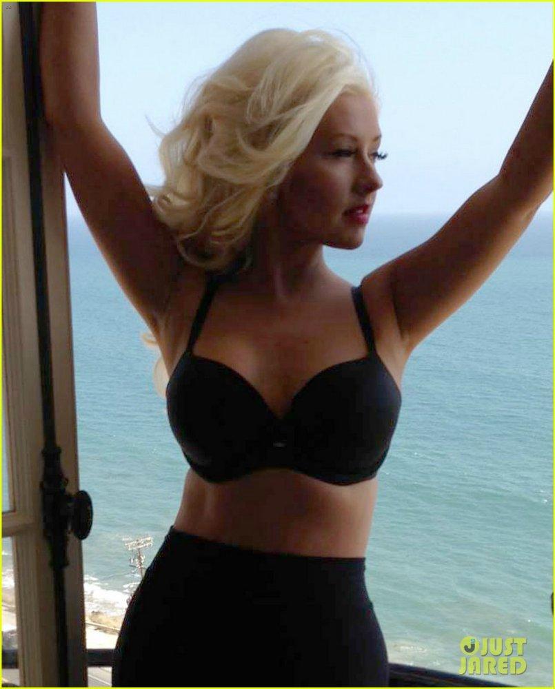 Christina Aguilera  - Страница 11 De66ece09ac2