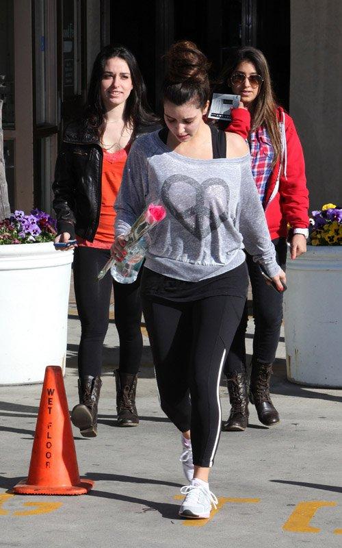 Kim Kardashian  - Страница 5 195b37ff3eb5