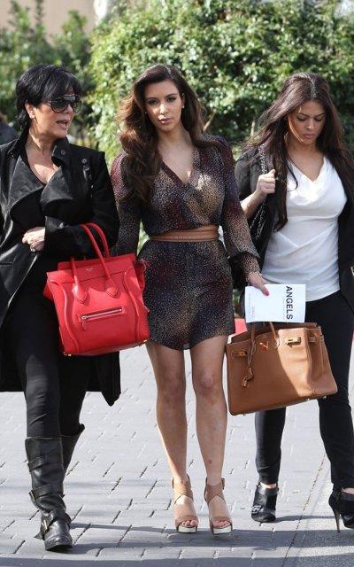 Kim Kardashian  - Страница 4 1dd31dbdebfd