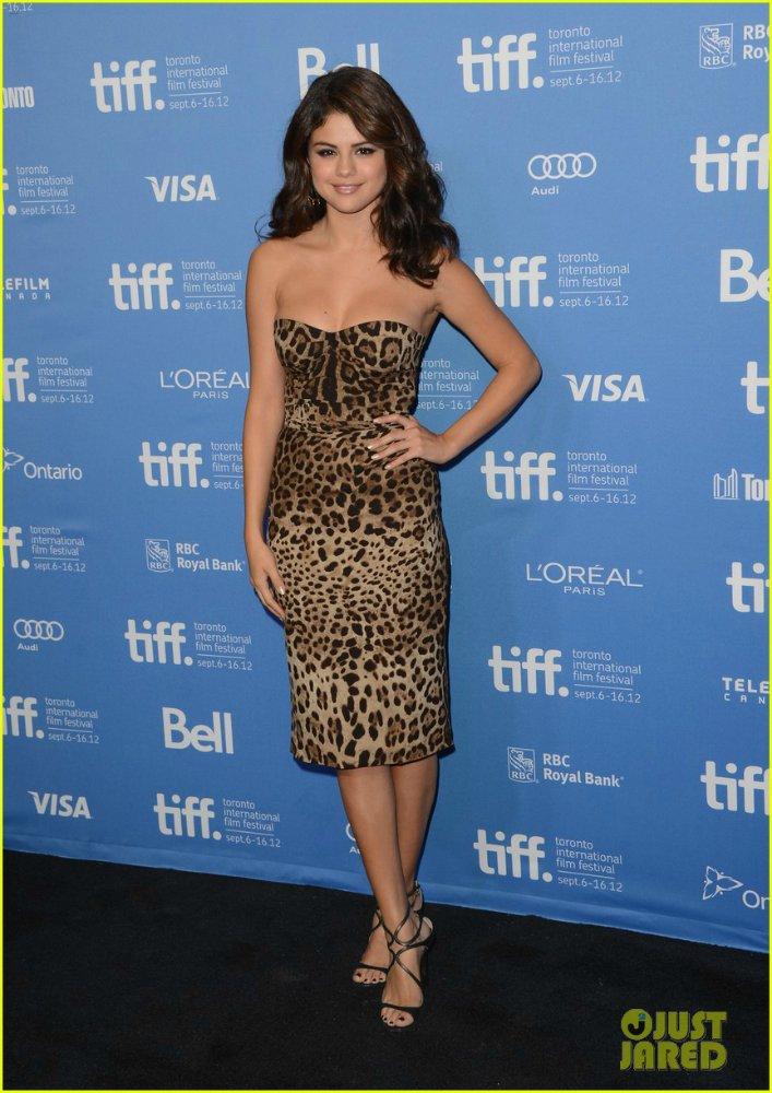 Selena Gomez | Селена Гомес - Страница 6 7d541ef72c43