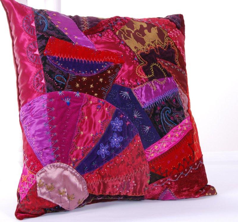 Потрясающие рукодельные декоративные подушки 1d7db7ce0575