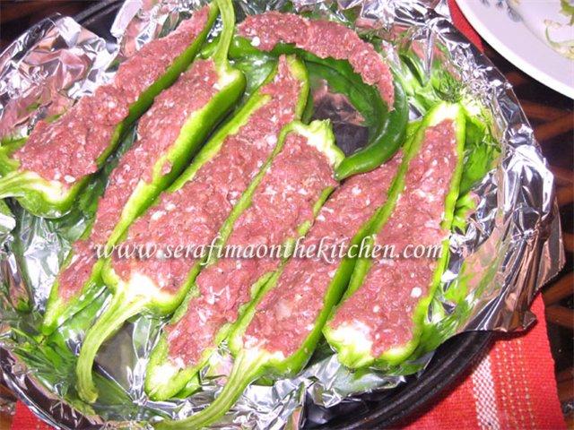 Фаршированные острые перцы, приготовленные  в духовке 28d52d45ee99