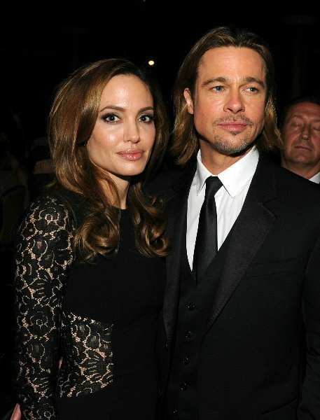Angelina Jolie and Brad Pitt 135de8f4aa1e