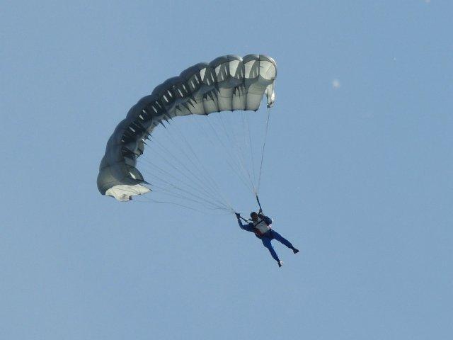 День космонавтики (12 апреля) и День полёта В. В. Терешковой в космос (16 июня) C57a9a32318b