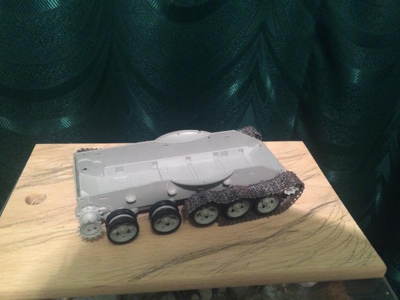 TRUMPETER T-62 Mod 1972  1/35 5de090ed9957