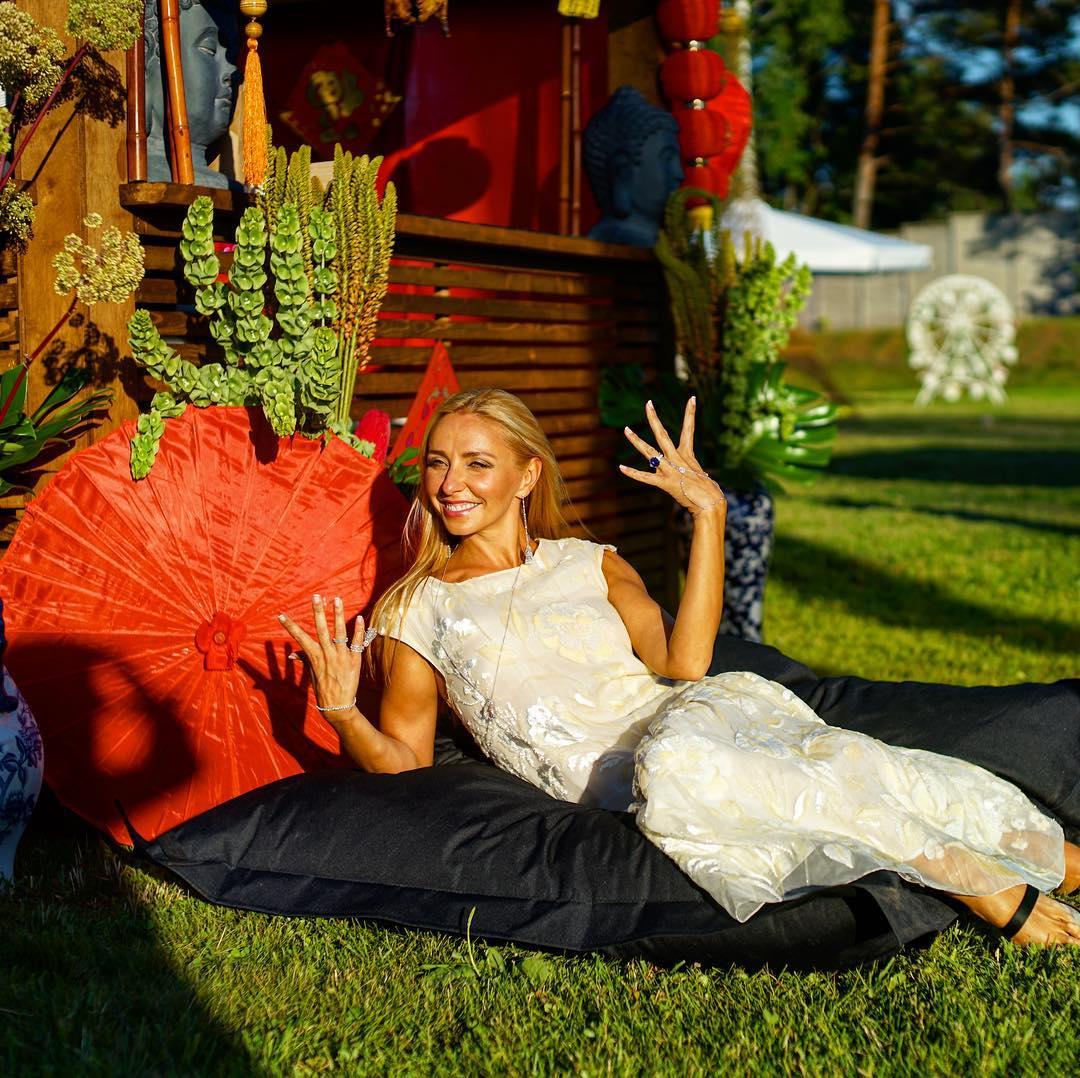 Татьяна Навка в соцсетях-2016 - Страница 6 D4d0cb33d60f