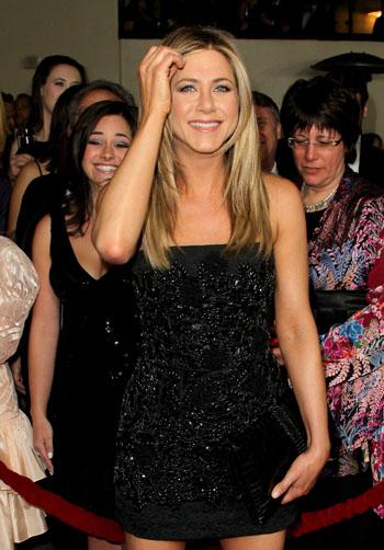 Jennifer Aniston - Страница 2 Eb8cd77ab863