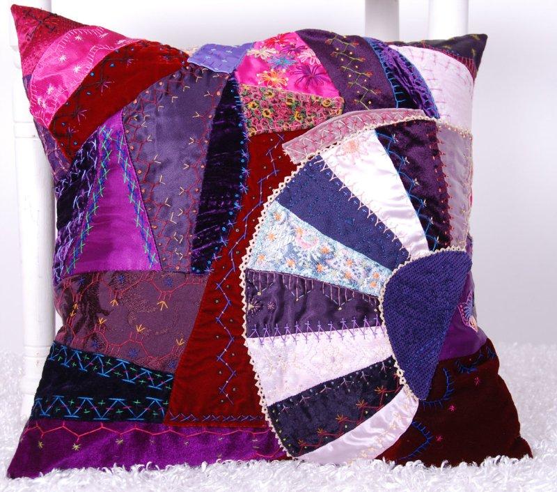 Потрясающие рукодельные декоративные подушки 63933d80effd
