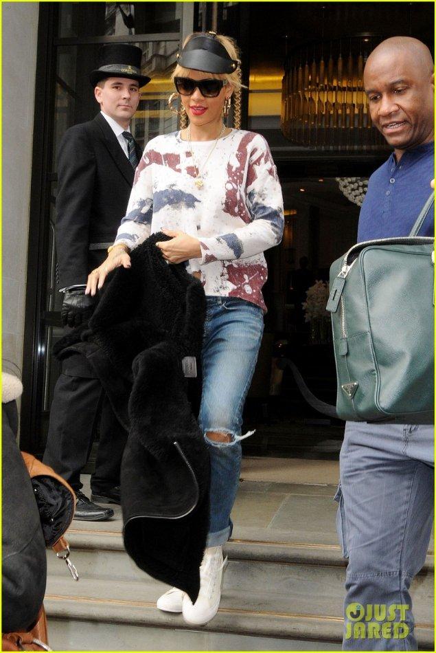 Rihanna  - Страница 3 B221dbbb1792