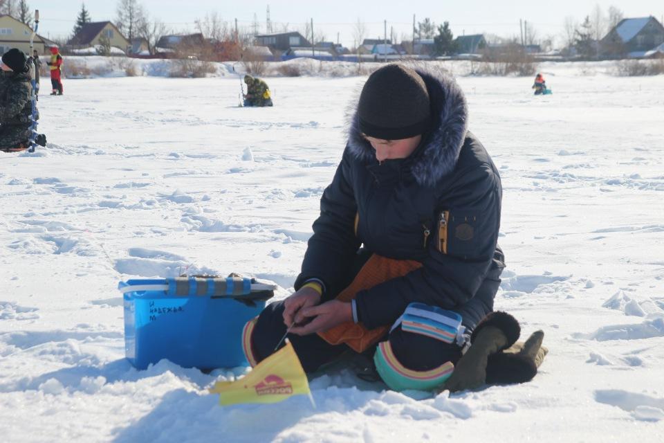 Первенство города Кургана по ловле на мормышку со льда среди юношей и девушек с 14 до 17 лет. 41a672b8b777