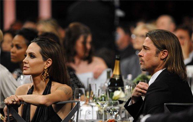 Angelina Jolie and Brad Pitt - Страница 3 2ade3af1d239